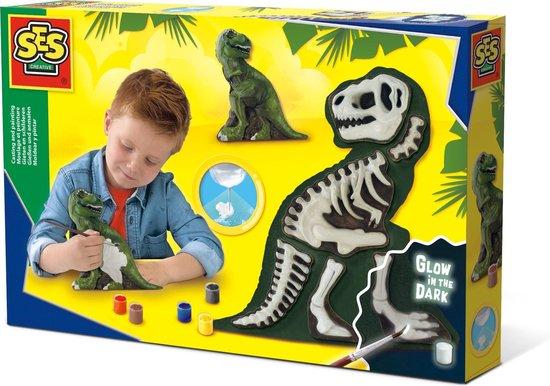 Gieten en schilderen (- T-Rex met skelet)